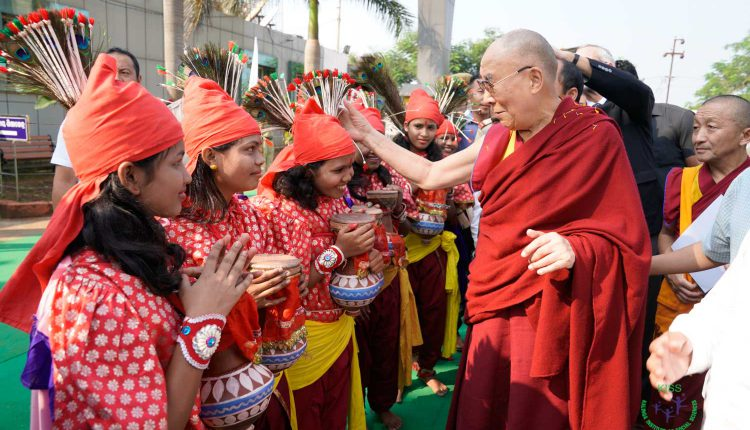 KISS Students wearing traditional costumes, welcoming His Holiness The Dalai Lama e at KISS Bhubaneswar