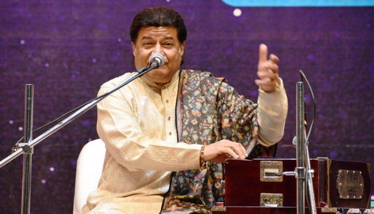 Anup Jalota Concert at KIIT Foundation Day