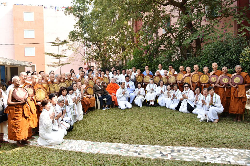 Tibetan Monks and Nuns visit KIIT & KISS